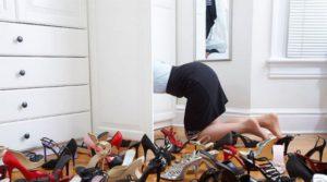 Date-ad-una-donna-il-giusto-paio-di-scarpe
